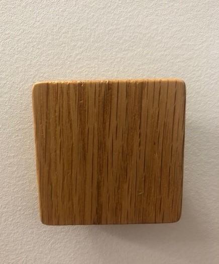 Oak Lacquered Square Pull